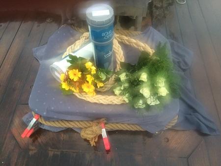 asverstrooien-den-helder-11-november-20216-liggende-en-staande-urn-met-bloemengroet